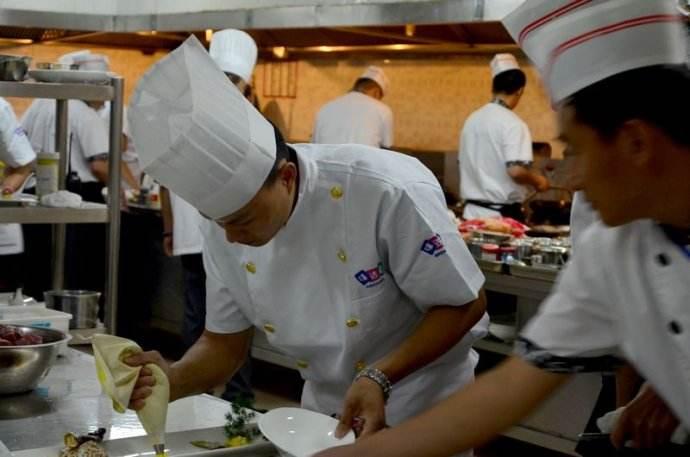 星级酒店厨房设计后厨功能间的划分和设备档次是怎样来配置的?